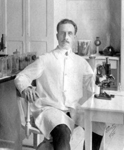 病名はこの疾患をはじめて発見した、ブラジル人医師リベイロ・シャーガス医師(1879~1934年)にちなんでいる(撮影:1909年、画像提供:Institute Evandro Chagas エバンドロ・シャーガス研究所)