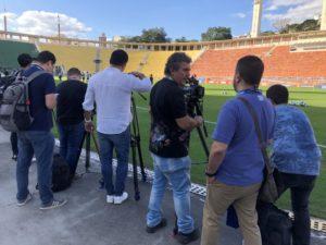 久保選手目当てに待機するブラジル取材陣