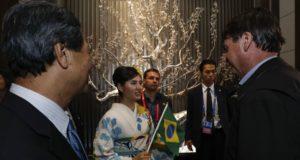 宿泊先のホテルで歓迎されたボウソナロ大統領(Alan Santos/PR)