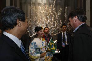宿泊先のホテルで歓迎されたボルソナロ大統領(Alan Santos/PR)