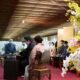 茶道裏千家が初釜開催=会員限定で60人が参加=クイアの茶器でしめやかに