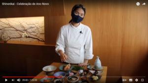 おせち料理を説明する白石シェフ
