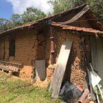 移民当初から住む土壁の家2
