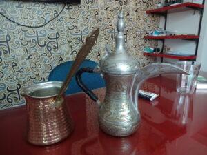 トルココーヒーを煮出す鍋とおもてなし用のポット