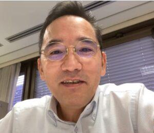 オンライン取材に応じた楠彰首席領事
