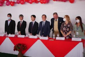 左からSMA市長、門屋JICA次長、山内領事部長、援協の税田会長、ブランコ州議、シッティーニDRS局長ら(記念撮影でマスクをはずしたところ)